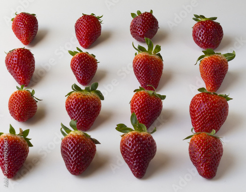 Strawberries pattern - 199256675