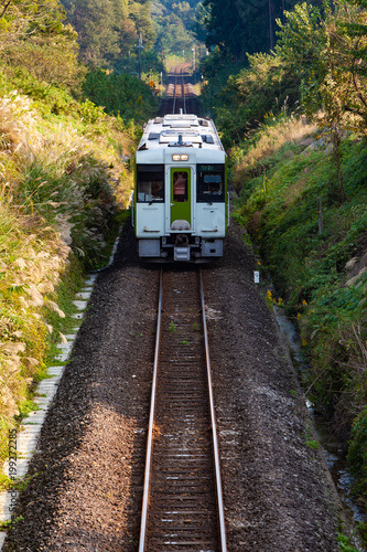 In de dag Spoorlijn ローカル鉄道とディーゼル気動車