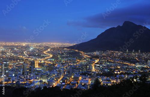 Kapstadt blaue Stunde - 199309041