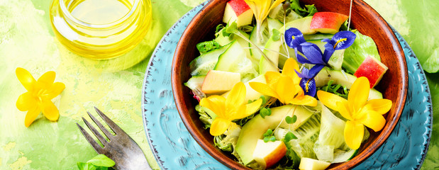 Fresh vegan salad with edible flowers © nikolaydonetsk