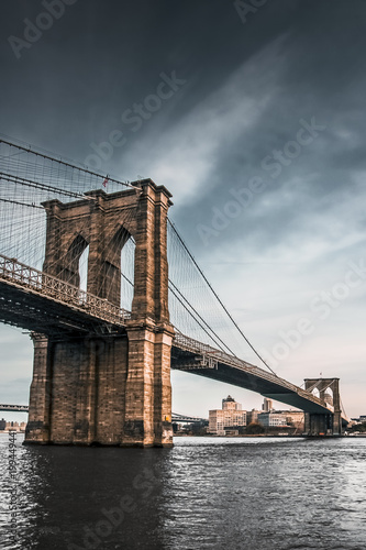 Keuken foto achterwand New York Brooklyn Bridge during Bad Storm Weather