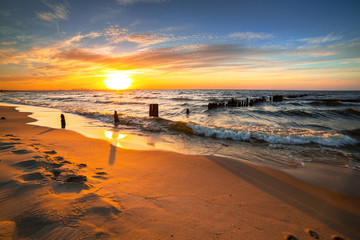 Sunset ovet the Baltic sea beach in Poland © Patryk Kosmider
