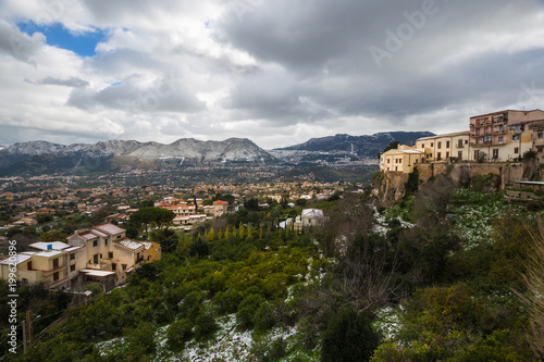 Deurstickers Palermo View of the outskirts of Palermo and the surrounding snow dusted mountains from Monreale.