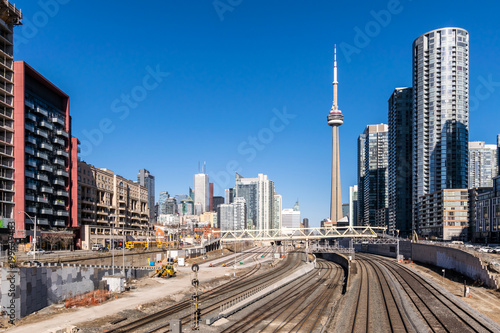 Fotobehang Toronto View of Toronto skyline and train tracks