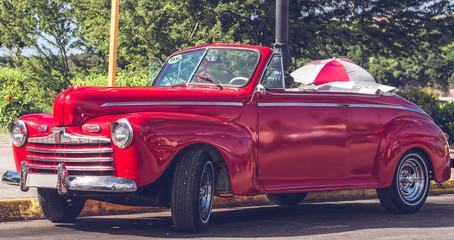 HDR Foto von einem amerikanischen historischen Auto in Havanna Kuba