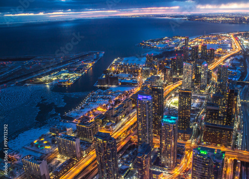 Foto op Aluminium Toronto Toronto Lake Ontario Skyline in Winter