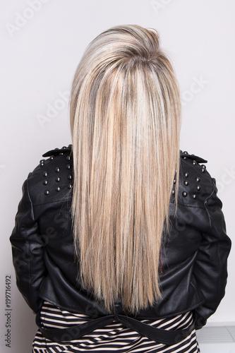 Foto op Plexiglas Kapsalon Long stright hair blonde