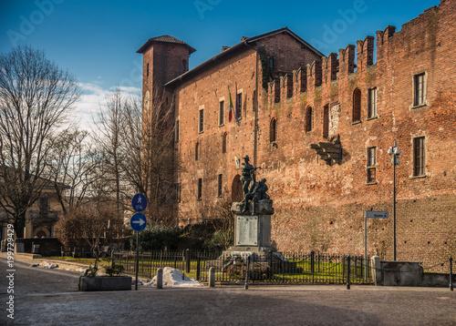 castello di binasco