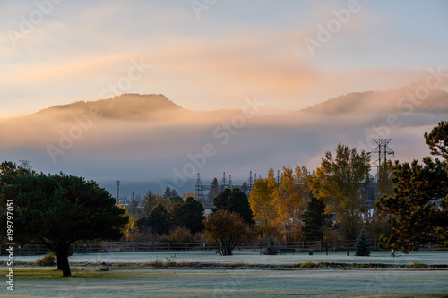 Foto op Plexiglas Ochtendgloren Sunrise foggy landscape in Colorado, USA