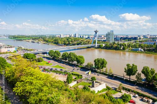 Fotobehang UFO Most SNP bridge, Bratislava