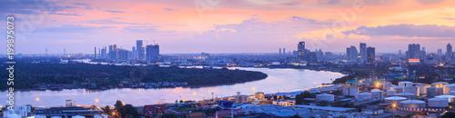 Tuinposter Bangkok Chao Phraya River and Bangkok metropolitan region landscape panorama.