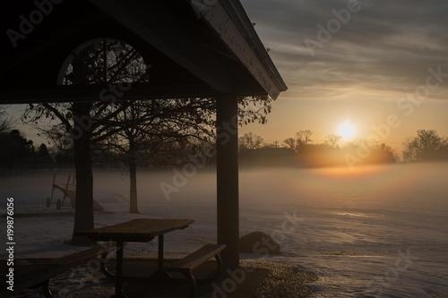 In de dag Ochtendgloren Winter Sunrise Landscape at the Lake