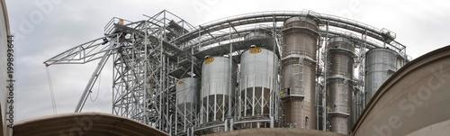 Foto op Canvas London Loading grain in ship. Harbour. Storage