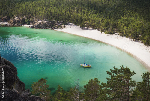 Jacht żaglowy na Baikal