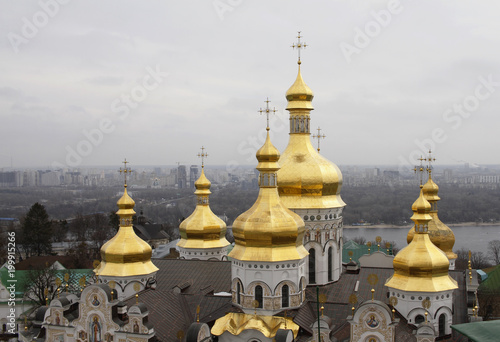 Foto op Plexiglas Kiev Golden domes of the Holy Dormition Cathedral in Pechersk Lavra i Kiev, Ukraine.