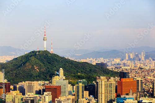 Fotobehang Seoel Beautiful view of Namsan tower from the Asan Mountain, Seoul, South Korea.