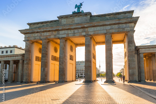 Fotobehang Berlijn The Brandenburg Gate in Berlin at sunrise, Germany