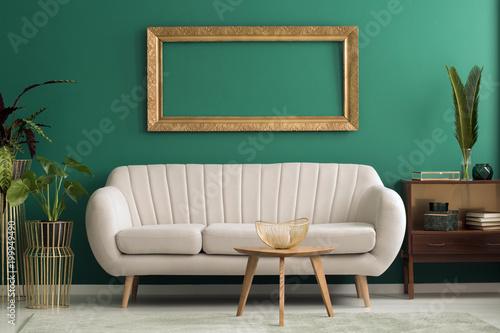 Makieta w zielonym salonie