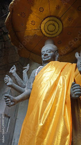 Fotobehang Boeddha buddha statue in angkor wat