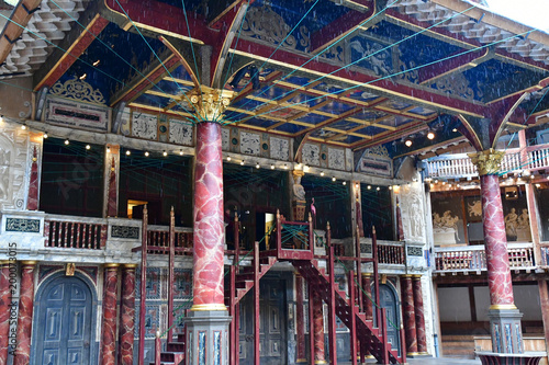 Fotobehang Londen London, England - march 11 2018 : Globe Shakespeare theatre