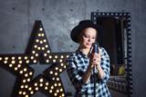 teenager girl rockstar - 200119434