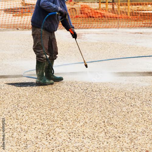 przejście myjki ciśnieniowej na beton dezaktywowany