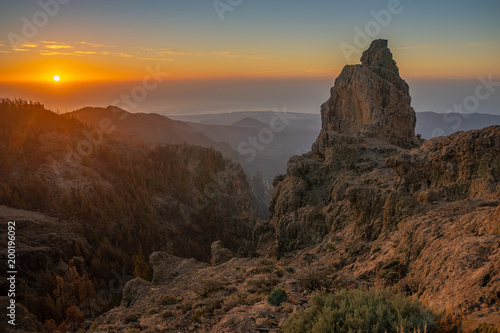 Foto op Plexiglas Ochtendgloren sunrise in the mountains
