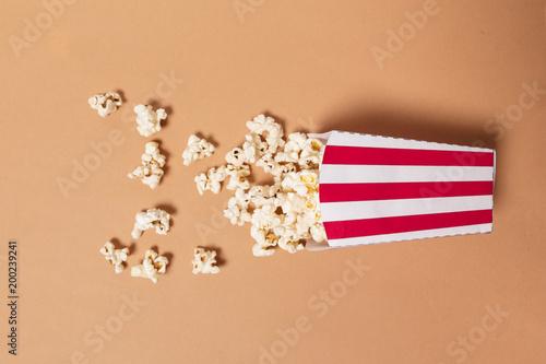 popcorn on color background - 200239241
