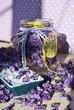 Przetwory domowe z fiołkami