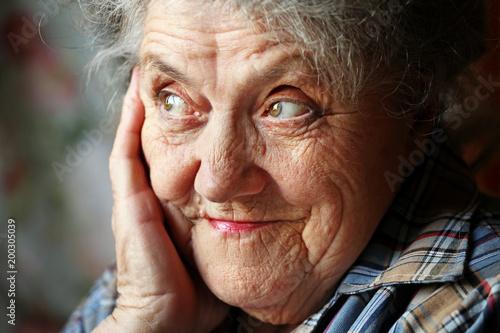Foto Murales Smile elderly woman face close up