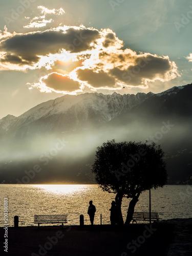 Abendnebel am Lago Maggiore bei Ascona