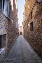 Marche vicolo stretto © Gianfranco Bella