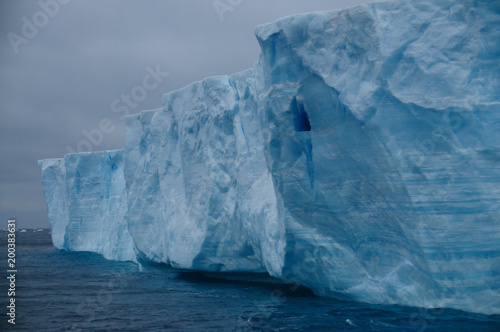 Fotobehang Antarctica Giant Tabular Iceberg in the Anarctic Weddell Sea