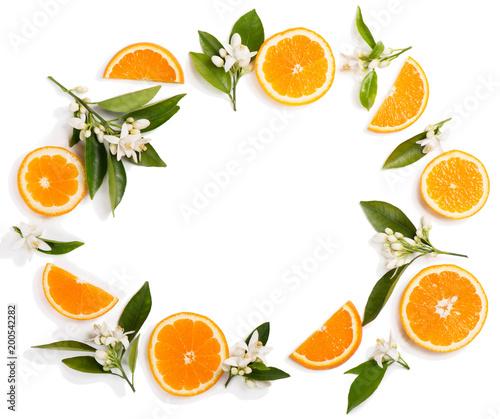 Kwiaty pomarańczy i plastry.