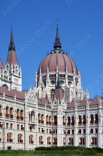 Canvas Boedapest Hungarian Parliament building in Budapest - Hungary.