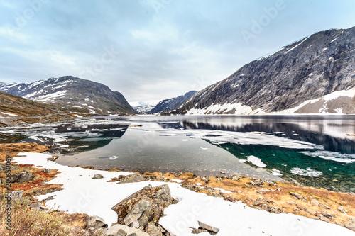 Foto op Aluminium Bergen Djupvatnet lake, Norway