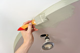 malowanie sufitu pędzlem - 200749061