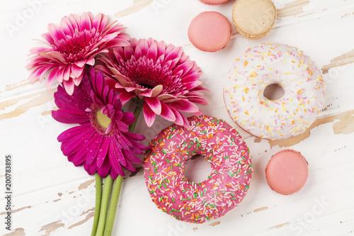 Aluminium Gerbera Donuts and gerbera flowers bouquet