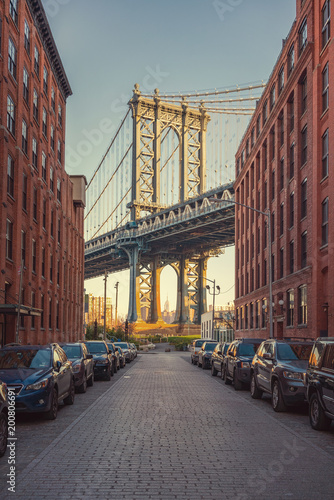 Foto Murales View on Manhattan bridge from washington street in Brooklyn