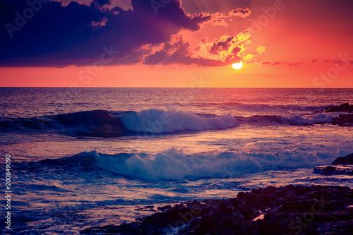 Fotobehang Zee zonsondergang Bright colorful sunset on the sea, beautiful landscape