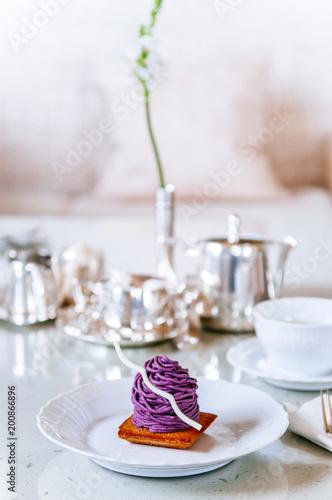 Beni Imo lub purpurowy ignam tort Mont Blanc, słynny deser Okinawy