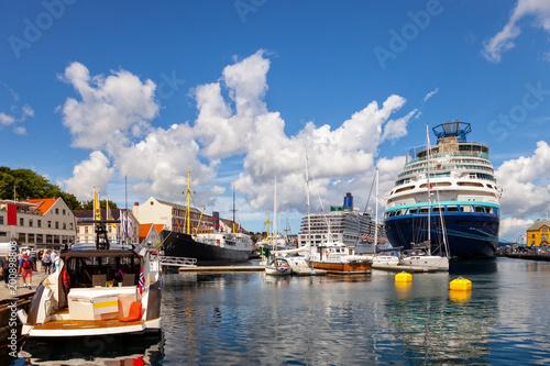 Foto op Plexiglas Schip A view of the city centre of Stavanger in Norway.