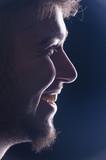 Profilo di ragazzo sorridente - 200916030