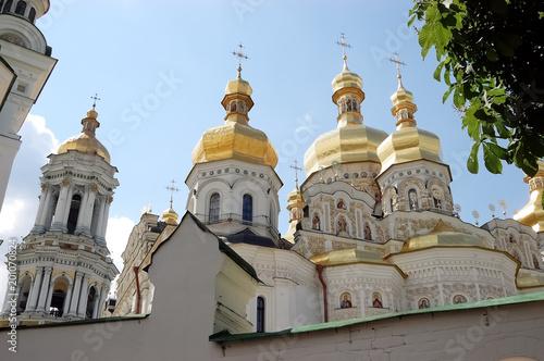 Foto op Plexiglas Kiev View of the golden shining domes of the Kiev-Pechersk Lavra.