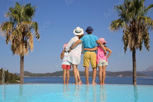Foto Murales family on sea resort