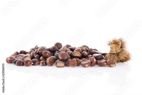 Foto Murales Sweet chestnuts isolated over white background