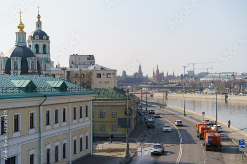 Fotobehang Moskou Sunny Moscow day, Kremlin image, wide street, river without floes, everything is good