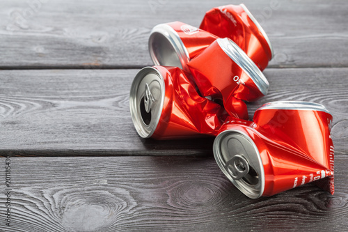 aluminum cans. recycling. - 201185430