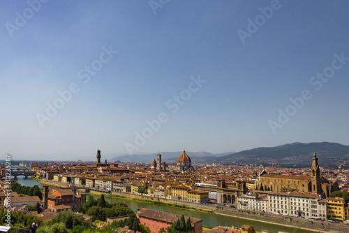 Vista su Firenze, Italia - 201235287
