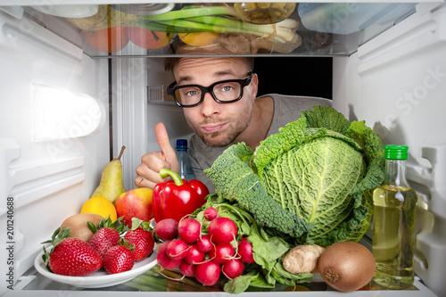 Foto Murales Kühlschrank voller Obst und Gemüse